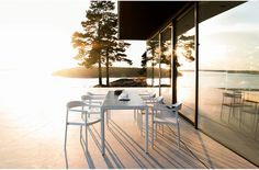 Illum chair and table outdoor with a Scandinavian design twist and aluminium powder coated soft forms Outdoor Areas, Outdoor Dining, Outdoor Tables, Outdoor Decor, Garden Table, Garden Chairs, Design Moderne, Small Patio, Scandinavian Style