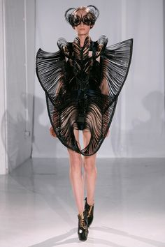 Capriole Haute Couture | Iris van Herpen  Amazing face mask, I love the grace to this look
