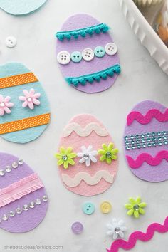 Adorable Easter Crafts for Kids and Grown-Ups Alike - - 48 Easter Crafts for Kids – Fun DIY Ideas for Kid-Friendly Easter Activities – Country Living Easy Easter Crafts, Bunny Crafts, Easter Crafts For Kids, Felt Crafts, Crafts For Kids To Make, Easter Ideas, Easy Crafts, Children Crafts, Summer Crafts