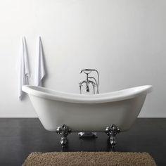 Victoria Baignoire Classique à pattes de lion  799,99$ Costco.ca, robinets inclus