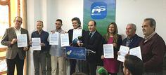 GRANADA. El aspirante a la presidencia del Partido Popular de Granada Juan García Montero ha comparecido acompañado de militantes y compromisarios del PP granadino