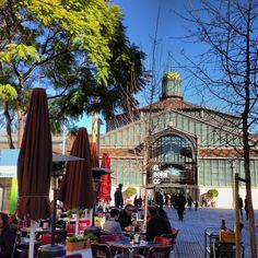 El Born on a sunny winter day | Barcelona