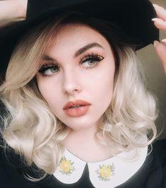 "Mermaid on Instagram: ""🌼 1 or 2? 🌼"" Daily Makeup, Brows, Mermaid, Beauty, Instagram, Eyebrows, Eye Brows, Makeup Routine, Everyday Makeup"
