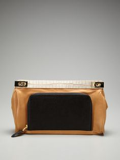 Be and D Wanda Clutch - a pocket on the outside of a clutch, interesting idea that I like.