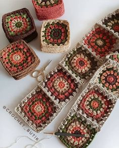 Autumn themed Granny Squares - Diy And Craft Could use some of my plum coloured yarnHow to Crochet Flower, Make a Granny Square and Join Them Granny Square Crochet Pattern, Crochet Blocks, Crochet Squares, Crochet Blanket Patterns, Crochet Motif, Crochet Designs, Crochet Flowers, Crochet Stitches, Crochet Baby