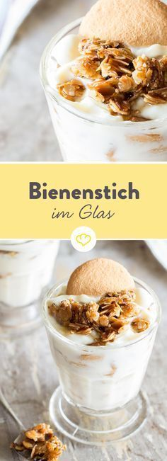 Without baking! Bee sting in glass with almond brittle- Ohne Backen! Bienenstich im Glas mit Mandelkrokant What bee sting is in the glass? The time, the look and the combination of crispy almond brittle, fine cream and airy egg cookies. Sweet Recipes, Snack Recipes, Dessert Recipes, Dessert Food, Almond Brittle, Blueberry Recipes, Breakfast Dessert, Breakfast Recipes, Cakes And More