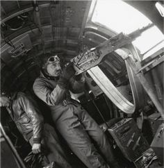 Peer Into The Past: peashooter85: Capt. Clark Gable, World War II.