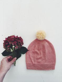 A Nordic Knitting Tale Mitten Gloves, Mittens, Knit Patterns, Hue, Knitted Hats, Knit Crochet, Winter Hats, Knitting, Mini