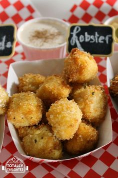 County Fair Style Lobster Fried Mac & Cheese Bites are the perfect appetizer for tailgate football parties, New Year's Eve, and pot lucks! Mac And Cheese Gouda, Fried Mac And Cheese, Mac And Cheese Bites, Lobster Mac And Cheese, Mac Cheese, Tailgating Recipes, Tailgate Food, Good Food, Yummy Food