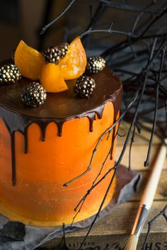 Торт «Тёмный Ларри» — новое открытие шокоголика Знакомьтесь, это «Тёмный Ларри», торт открытие для всех шокоголиков планеты.Пропорции и составляющие теста дают нам неприлично липкие коржи, которые настолько пористы, что не весят ничего, при этом потрясающе мягкие и сочные. Сильный шоколадный вкус положит на лопатки даже нашумевший «Торт на раз-два-три», а это серьёзная заявка, согласны? Настоящая...