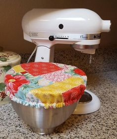 Cute bowl covers made from Pioneer Woman Vintage Floral patchwork fabric. Plain fabric on the reverse side with elastic around edge to keep it snugly in place. Can be made in 3 different sizes and available as a set of three. Ask about other fabrics.