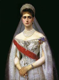 Alexandra Feodorovna, Court Dresses, Princess Alexandra, Imperial Russia, Royal Jewelry, Jewellery, Russian Fashion, Russian Style, Jolie Photo