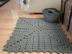 Cheap Carpet Runners For Stairs Product Crochet Mat, Crochet Carpet, Crochet Doilies, Crochet Stitches, Filet Crochet, Crochet Home Decor, Crochet Crafts, Crochet Projects, Crochet Squares