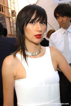 Karen O has rad hair. Love these bangs. Chic Hairstyles, Short Hairstyles For Women, Alison Mosshart, Karen O, Good Hair Day, Style Snaps, Hair Dos, Pretty People, Beauty Women