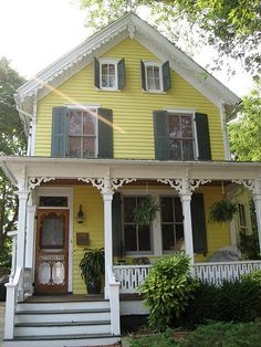 Yellow Carpenter Gothic Revival Victorian Cottage House, Cape May, New Jersey