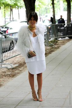 paris street style chocker necklaces | ... fashion-editor-street-style-in-a-white-fur-Celine-chain-necklace-and
