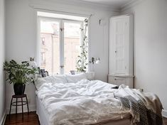 Small apartment | floorplan | photos by Jonas Berg Follow Gravity Home: Blog - Instagram - Pinterest - Facebook - Shop