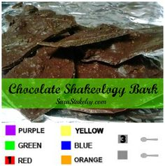 Oh hello glorious snack idea! I am a huge fan of sweet treats and I was totally needing something after dinner and shakeology chocolat. Coconut Hot Chocolate, Chocolate Bark, Chocolate Desserts, Chocolate Mouse, Homemade Chocolate, White Chocolate, 21 Day Fix, Beachbody Shakeology, Chocolate Shakeology