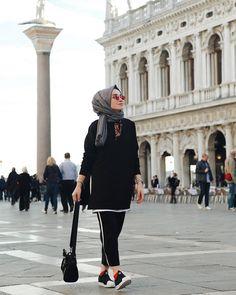 Fashion and Lifestyle Hijab Fashion Summer, Modern Hijab Fashion, Muslim Women Fashion, Street Hijab Fashion, Hijab Fashion Inspiration, Modest Fashion, Fashion Outfits, Fashion Tips, Hijab Fashionista