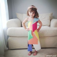 Ha! paper dresses- they are amazing #Art #Crafty #Dress http://www.huffingtonpost.com/2014/02/26/4-year-old-paper-dresses-fashion-by-mayhem_n_4855545.html?utm_hp_ref=mostpopular