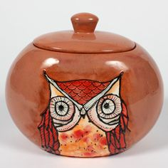 Mayco is one of the world's leading producers of quality ceramic products for ceramic hobbyists, DIY enthusiasts, potters, artists, schools and producers of fine ceramic table and giftware. Ceramic Owl, Glass Ceramic, Pottery Painting, Ceramic Painting, Owl Stencil, Mustard Yellow Walls, Owl Kitchen, Whimsical Owl, Owl Always Love You