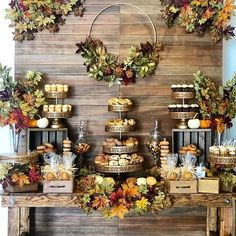 Rustic Autumn Themed Dessert Table - Fall themed rustic dessert table styled by Decoration Evenementielle, Mini Donuts, Fall Desserts, Fall Wedding Desserts, 1st Boy Birthday, Cake Table, Wedding Cupcakes, Autumn Theme, Wedding Decorations