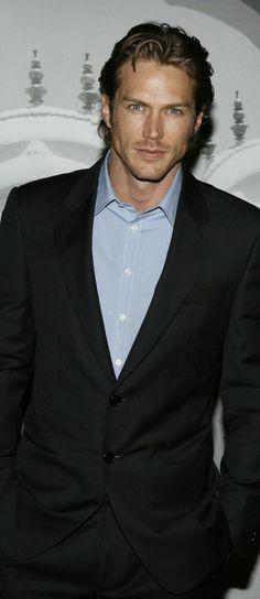 Simple light blue collar shirt with jacket - Jason Lewis Jason Lewis, Just Jared, Dapper Men, Casual Elegance, Celebrity Gossip, Collar Shirts, Fashion Advice, Beautiful People, Suit Jacket
