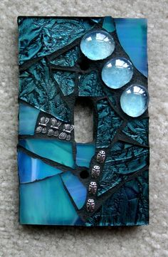 Light switch plate mosaic. @ Do It Yourself Pins