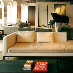 Christian Liaigre's St. Barts Home. St Barts, Caribe. Projeto do designer Christian Liaigre. #architecture #arquitetura #interiores #arquiteturaeinteriores #arte #artes #arts #art #artlover #design #interiordesign #architecturelover #instagood #instacool #instadaily #furnituredesign #design #projetocompartilhar #davidguerra #arquiteturadavidguerra #shareproject #livingroom #livingroomdesign #christianliaigre #stbartshome