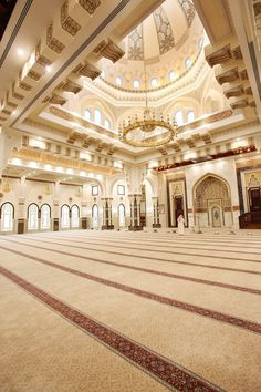 Mosque Architecture, Architecture Plan, Interior Architecture, Beautiful Ceiling Designs, Classic House Exterior, Beautiful Mosques, Beautiful Places To Travel, Islamic Art, Fashion Pictures