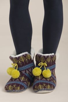 Day 11 of #AdventGoods and today we've picked the Cornish success brand, Seasalt!  These Cottage Boots are made from naturally collected Merino Wool, a luxury and incredible yarn that repels water on the outside and absorbs sweat on the inside - perfect! And, they are made with top social and environmental standards! These would make a great present this Christmas - or keep your own toes warm for £29.95…
