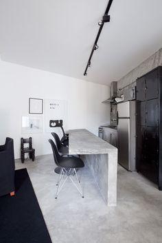 Apartamento Paulo Azeco - Arq. Mauricio Arruda -cantilevered concrete kitchen counter