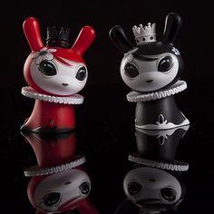 """Otto Bjornik x Kidrobot – Mayari Red & Black 3"""" Dunnys (03.27)"""