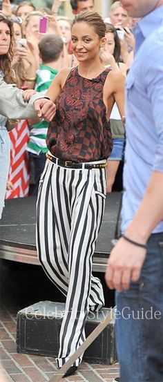 Seen on Celebrity Style Guide: Nicole Richie arrived on the West Hollywood set of 'Extra' for a guest spot on Wednesday (July 10).