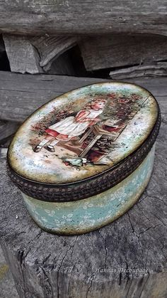 1 million+ Stunning Free Images to Use Anywhere Decoupage Box, Decoupage Vintage, Vintage Tins, Shabby Chic Jewellery Box, Christmas Decoupage, Free To Use Images, Pretty Box, Painted Boxes, Photo Craft