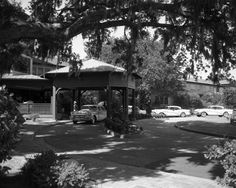 Guests arriving at the Porte Cochere in the 1940's. #Vintage