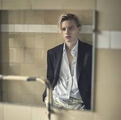 Erika Linder. Kiss me, kiss me now...