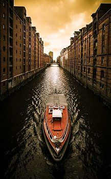 Hamburg, Germany http://es.pinterest.com/elainen/my-head-in-the-clouds/