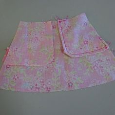 Free tutorial and pattern for front slant pockets for doll clothes by Valspierssews