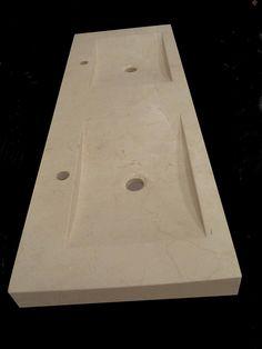 Lavabo de mármol en Crema Marfil. Medidas (cm): 141x48x10 Peso (kg): 110 (Ref. LV0210010)   368,00 €