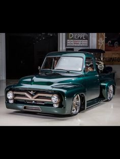 I genuinely adore this color selection for this 1974 Custom Pickup Trucks, Vintage Pickup Trucks, Classic Pickup Trucks, Old Ford Trucks, Ford Classic Cars, 1956 Ford Truck, Dropped Trucks, Custom Muscle Cars, Trailer