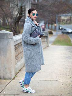 Носим пальто с кроссовками - be-in.ru