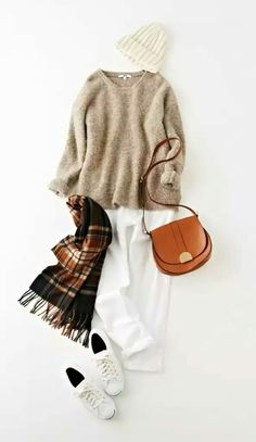 Wearing white in winter. Wearing white in winter. Fashion Mode, Love Fashion, Winter Fashion, Fashion Looks, Fashion Outfits, Womens Fashion, Fall Outfits, Casual Outfits, Paris Mode