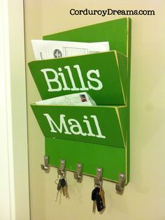 Nice little mail and bills holder.