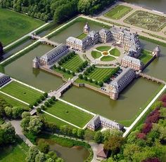 Nordkirchen Castle - the Versailles of Westphalia - Nordkirche, Germany. Watch > destinations-for-. Beautiful Castles, Beautiful Buildings, Beautiful Places, Germany Castles, Reisen In Europa, English Manor, Castle House, Architecture, Around The Worlds