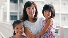 Avec le soutien de Greenpeace, une famille japonaise a accepté de changer son alimentation conventionnelle pour des produits 100 % bio. En moins de deux semaines, les résultats sont bluffants. Le bio fait de plus en plus d'adeptes. En 2016, 9 Français sur 10 ont consommé bio. Mais que sait-on réellement de l'impact des produits … Continuer la lecture de «Après 10 jours de repas bio, les membres de cette famille n'ont plus de pesticides dans le corps»