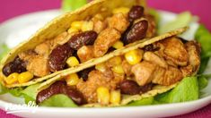 Csirkés taco   Nosalty Taco Pizza, What To Cook, Tex Mex, Nachos, Meat Recipes, Guacamole, Hamburger, Chili, Food And Drink