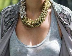 Tendances été 2013 street style. Bijoux tendance.Bijoux fantaisie #colliers #necklaces #bijoux #jewelry . Bijoux Mode. Jewels, bijoux 2014, bracelet.