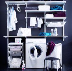 Jede Menge Waschküchenfunktionen mit ALGOT Kombination aus Wandschienen, Böden, Stangen und ALGOT Rahmen mit 3 Netzdrahtkörben und ALGOT Rah...