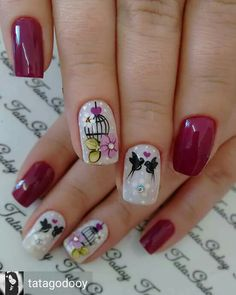 41 Perfect Colorful Floral Nail Design 24 Its your turn to have great nails! Check out this years most fashionable colorful floral nail desi… in 202 Great Nails, Simple Nails, Cute Nails, My Nails, Gel Nail Art, Manicure And Pedicure, Acrylic Nails, Romantic Nails, Vernis Semi Permanent